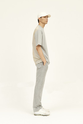 [Unisex] Back Check-Blocked T-Shirt _ Grey / Yellow and Grey Check