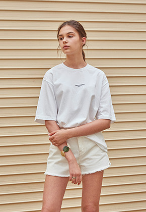 PATCH LOGO HALF T-SHIRTS_WHITE