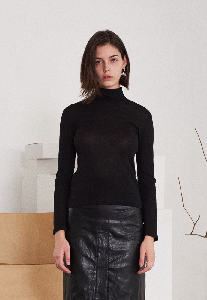 SEE-THROUGH TURTLENECK T-SHIRT (BLACK)