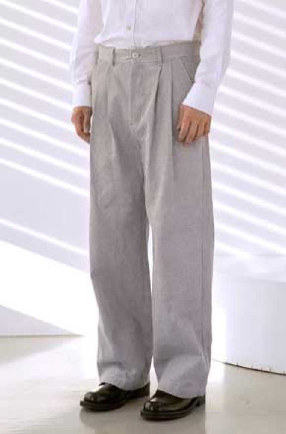 NOUN노운 back pocket wide pants (light grey)