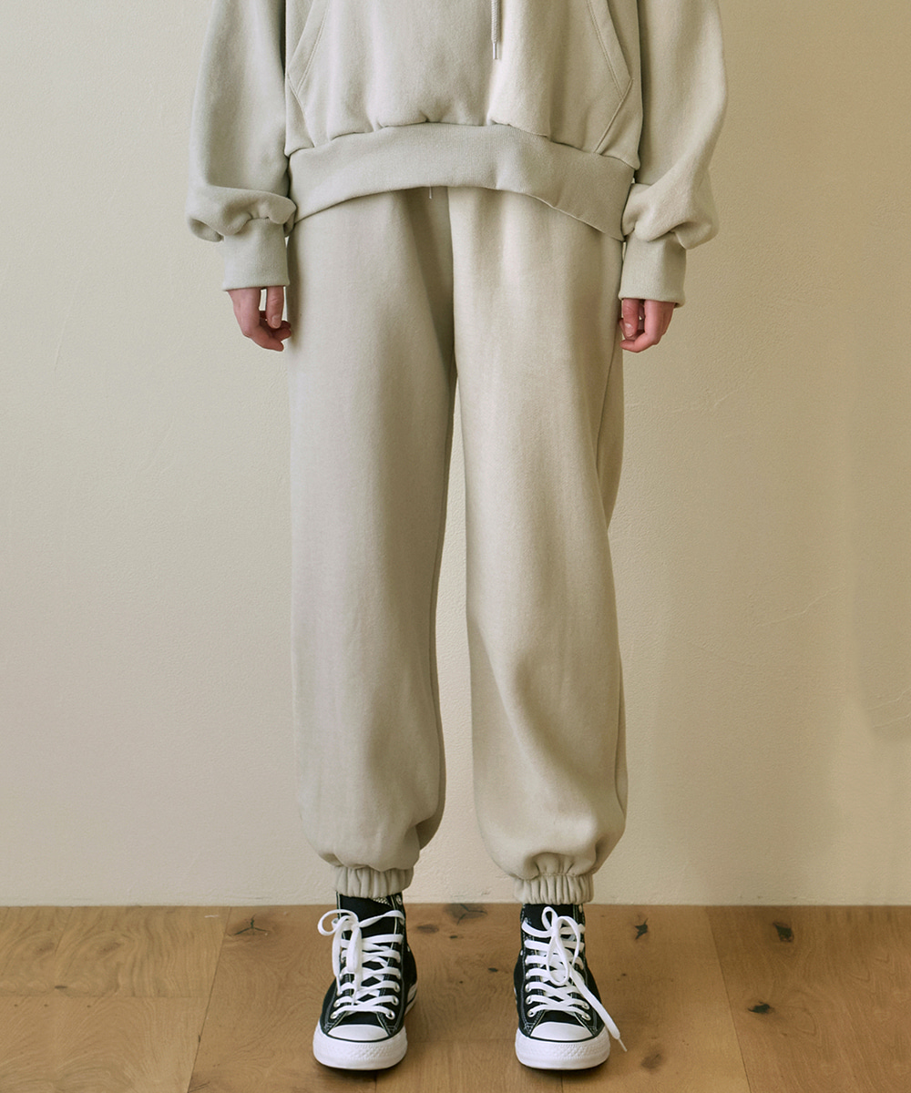 YAN13얀13 GIRLISH SWEAT PANTS_LIGHT BEIGE