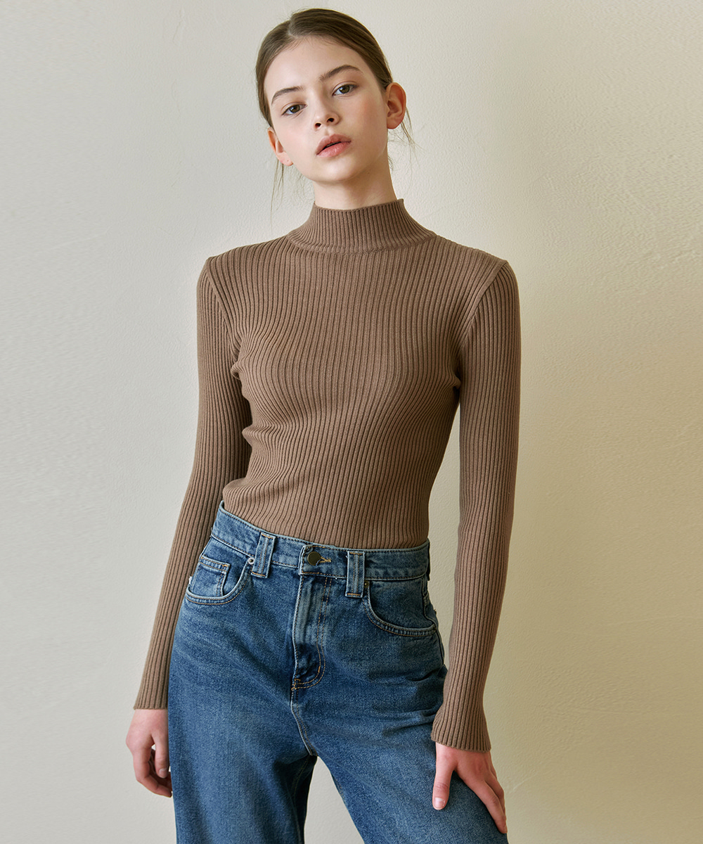 YAN13얀13 SLIM MOCK NECK TOP_BROWN