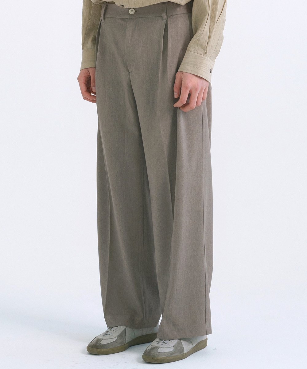 NOUN노운 pleated half banding wide pants(khaki beige)