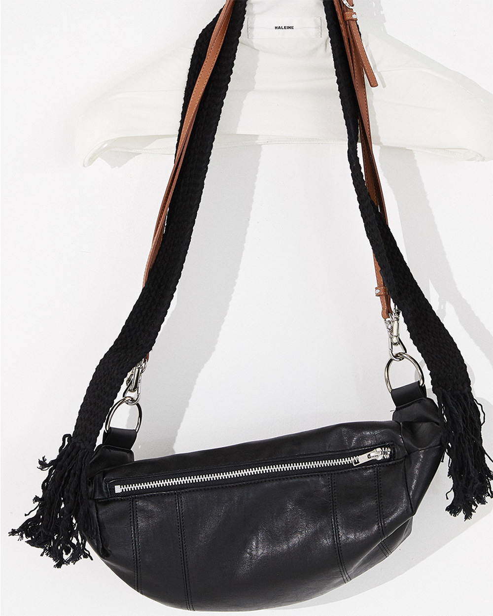 HALEINE알렌느 BLACK eco leather tassle cross bag(NA004)