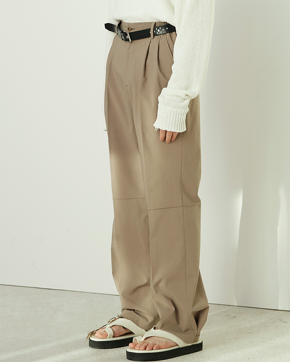 HALEINE알렌느 BEIGE backside belt 3D detail triacetate pants(NB004)**4/2일 배송**