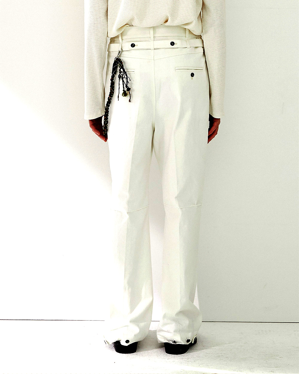 HALEINE알렌느 WHITE backside belt 3D detail denim pants(NB005)
